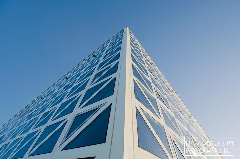 Windesheim - Het meest recent gebouwde gedeelte van Hogeschool Windesheim te Zwolle. Ook wel het x-gebouw genoemd.