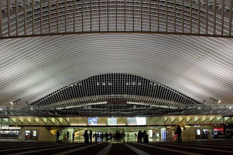 Gare Guillemins 's avonds - Gare Guillemins op zaterdagavond 28 december 2013.