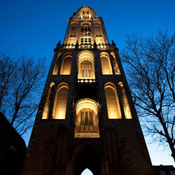 Domtoren Utrecht in de avond   170409-9937-POH
