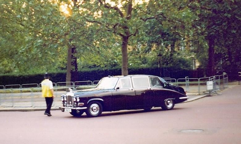 Daimler, Van Queen Mother.