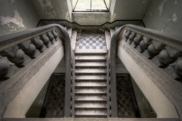 """Bovenaf - De trap van een weeshuis in Italië. Hier kun je goed zien waarom deze<br /> <a href=""""http://zoom.nl/foto/1890631/architectuur/winged-stairs"""