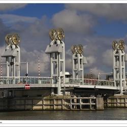 Stadsbrug over de IJssel bij Kampen - III