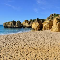 Een strand bij Albufiera