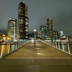 Rijnhaven by night