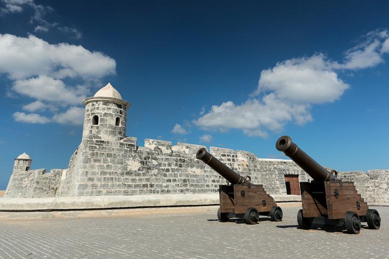 Castillo de San Salvador de la Punta - Castillo de San Salvador de la Punta staat aan het einde van de boulevard, Malecon, in Havana Cuba en kijkt uit