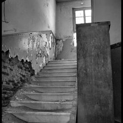 Stairs to noware