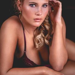 Joella glamour