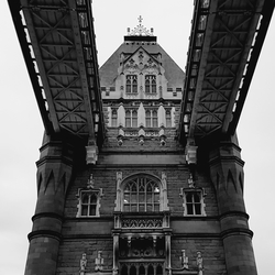 Towerbridge B&W