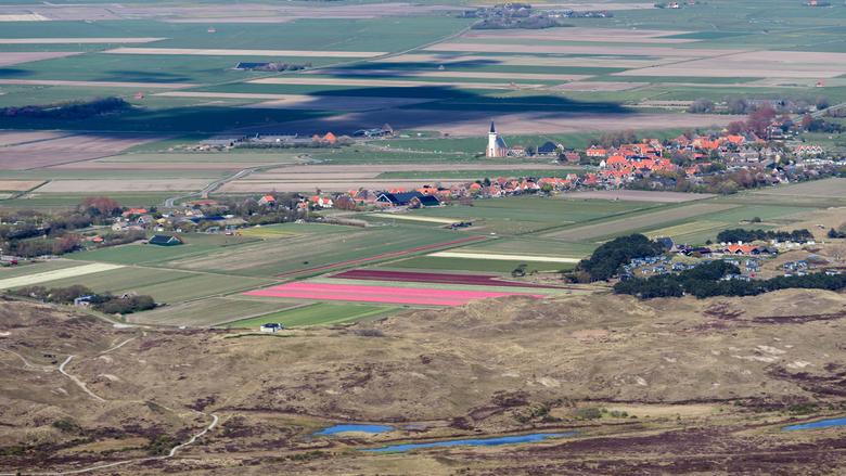 Den Hoorn, Texel - Den Hoorn, Texel. Het zuidelijkste dorpje op het Waddeneiland, met zijn markante, witte, fotogenieke kerkje.