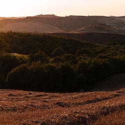 Panorama zonsondergang Toscaanse heuvels