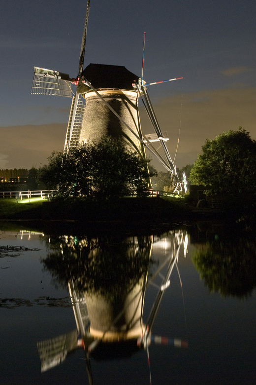 Molen by night - Kinderdijkse molen