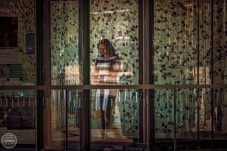 Behind the windows you will find the beauty - De wonderbaarlijke schoonheid van glas kwam mooi van pas.
