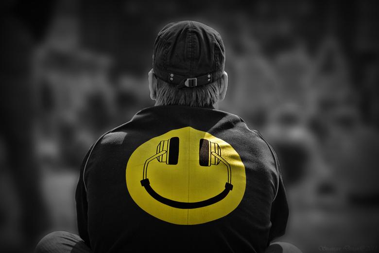 "Enjoy the sound and smile... - Hoe kut m&#039;n dag ook is, toch nog een smile aan het eind van de dag <img  src=""/images/smileys/smile.png""/>"