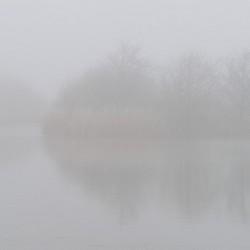 Eilandje in de mist