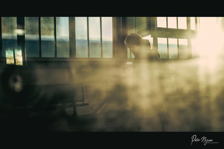 dirty shot - Even zitten spelen met licht en een vies treinraam.