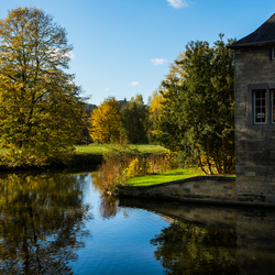 Herfstkleuren bij kasteel Schaloen, Valkenburg.