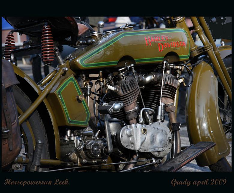 Harley Davidson  - Deze foto heb ik vorig jaar gemaakt tijdens de Horsepower run te Leek.<br /> Een jaarlijks terugkerend evenement met heel oude mot