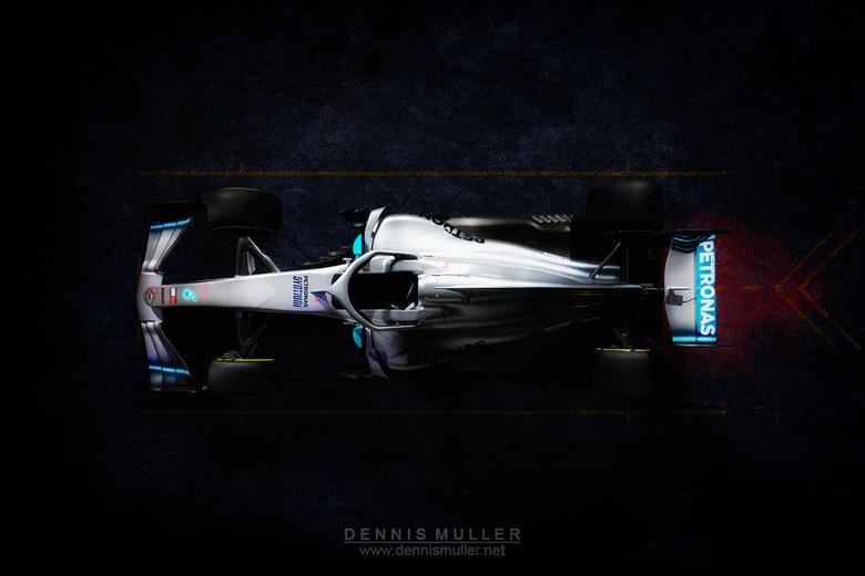 Mercedes AMG F1 W10 Q POWER+ -
