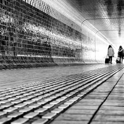 De mens gevangen tussen glas, staal en beton 1
