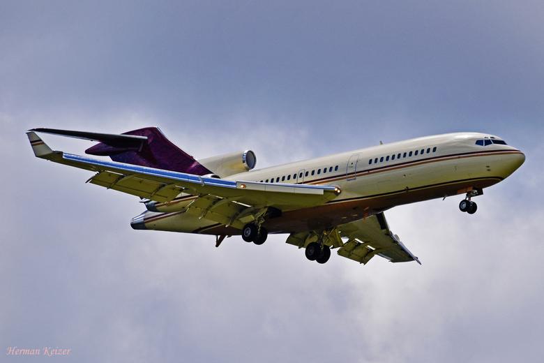 Oud maar goud: Boeing 727 - Mijn eerste Boeing 727 op de foto. De N311AG, een Boeing 727-017(RE)(WL) is eigendom en Gordon Getty en zat hier op short