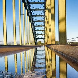 Spiegeling Oude IJsselbrug Hattem - Zwolle