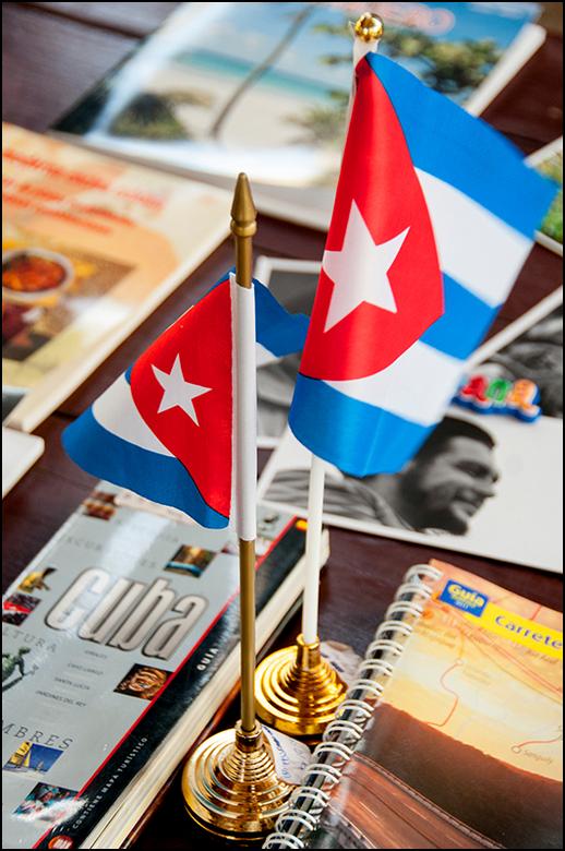 Cuba 132 - Overal ter wereld probeert men, dmv hun helden uit het verleden, heel wat geld te verdienen. En waarom ook niet. Zo loopt de merchandise fa