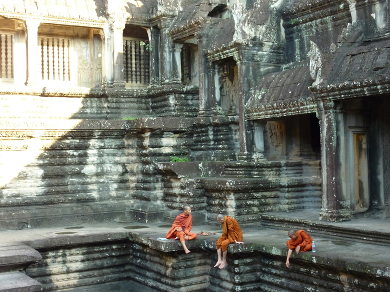 Monniken in Angkor Wat -