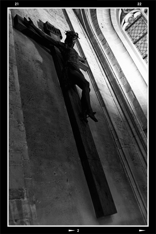 Holy Belgium 4 - De expressie van kruisbeelden is vaak aangrijpend. prachtig hoe de houtbewerkers dit voor elkaar weten te krijgen. In de kathedraal t