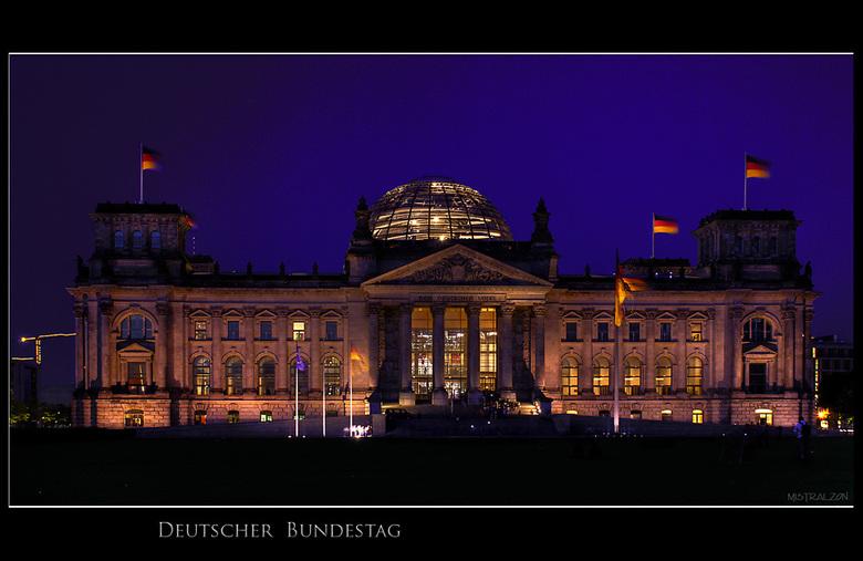 Iedereen heeft hem... - Natuurlijk mag zo'n foto niet ontbreken in de Berlijn serie, maar onder onze groep zijn er mooiere denk ik. Dus kijk ook
