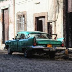Old Cuba Car