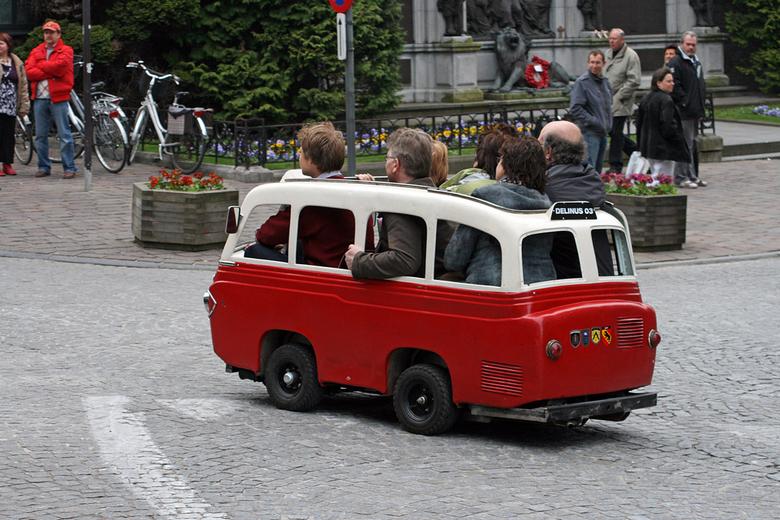 Eco-Mobiliteit - Exclusieve taxi op pad.