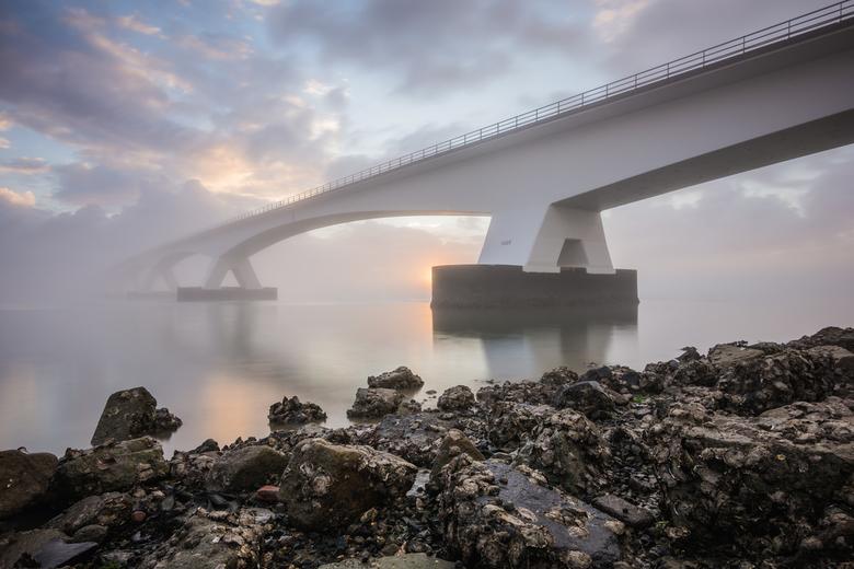 Zeelandbrug - De Zeelandbrug, de kenmerkende brug tussen Noord- Beverland en Schouwen-Duivenland is met 5022 meter de langste brug van Nederland!