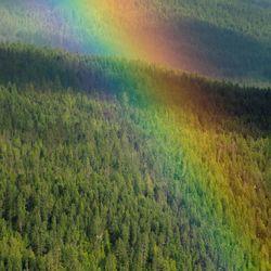 Regenboog bij Kaslo, Canada