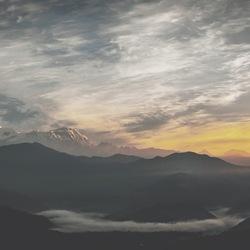Early mountain tones.