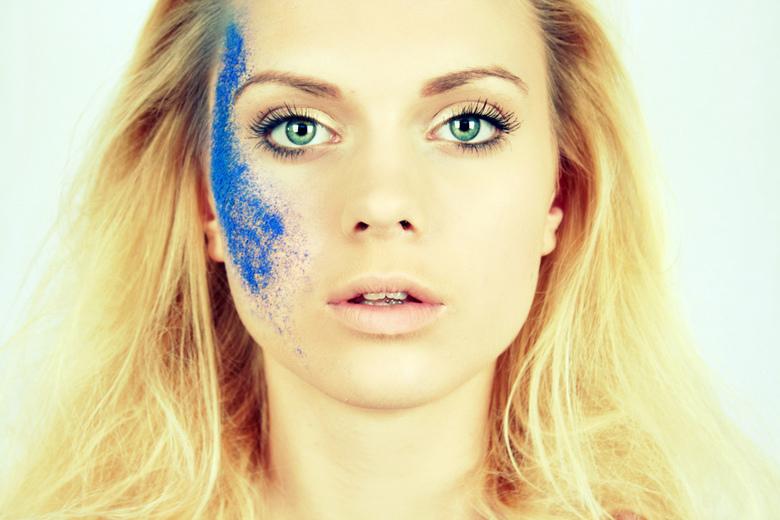 Laura ... - Model : Laura Peters