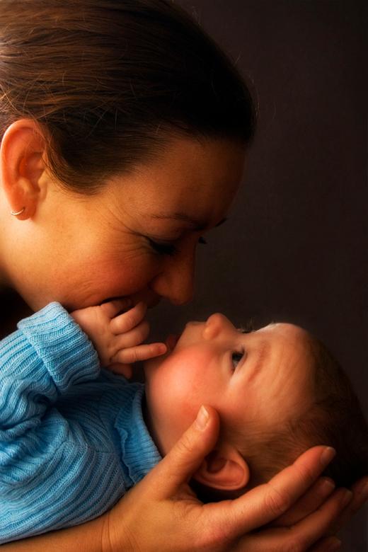 moeders liefde - de vrouw en kleine van mijn maatje ruud