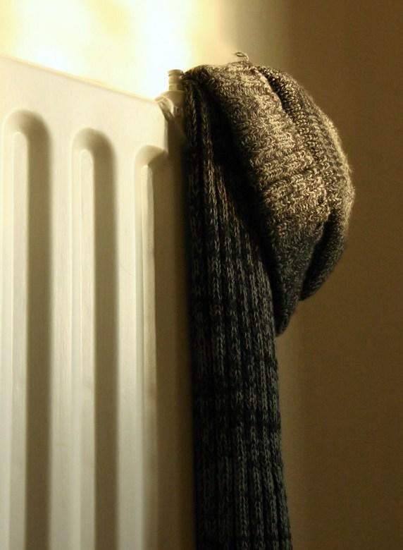 lekker warm - muts en sjaal in het zonnetje