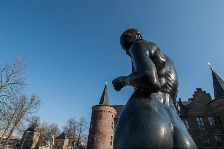 beeld kasteel helmond -