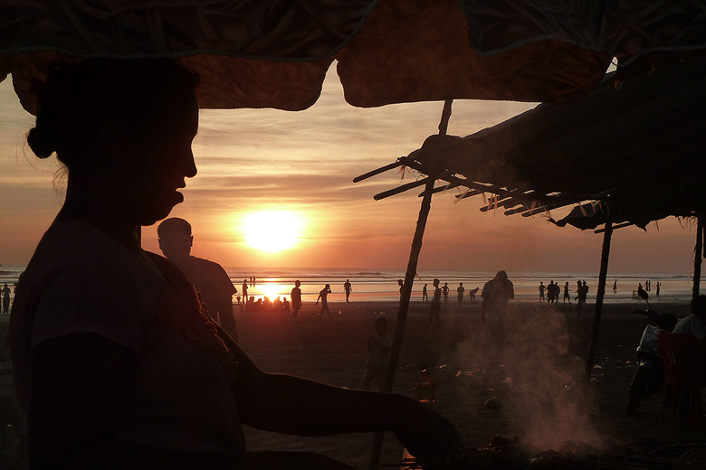 BBQ aan het strand in Myanmar -