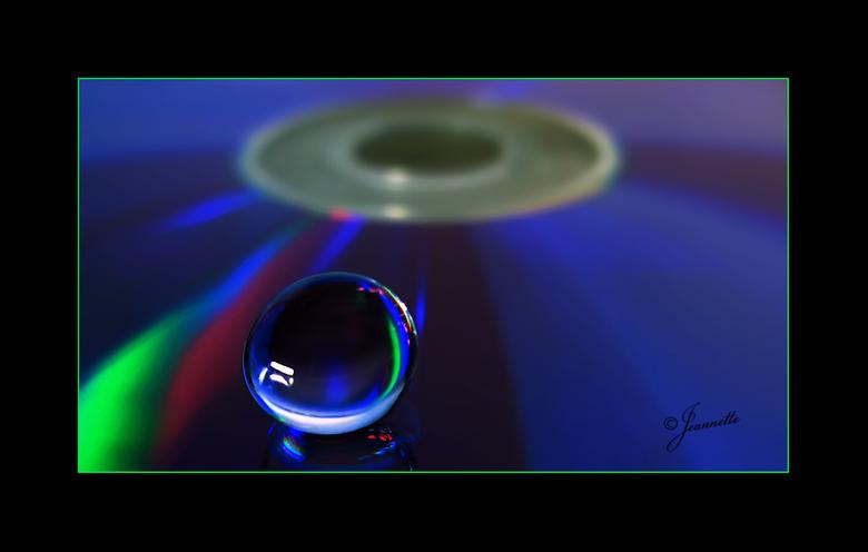 cd-tje - Even heel wat anders.<br /> <br /> <br /> <br /> Met dank voor alle tijd en aandacht bij mijn vorige foto!