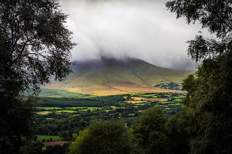 regio Tipperary - Typisch Iers landschap, met snelle afwisseling van regen, mist en flarden zon.