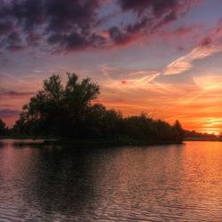 Mooie zonsondergang in Ypelo