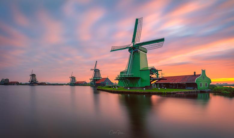 Windmill sunrise in Zaanse Schans - Costas Ganasos Photography ©️2020