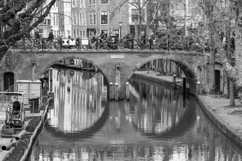 gracht in Utrecht - gracht in utrecht zwart wit<br />