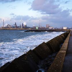 Tata Steel, gezien vanaf de pier bij IJmuiden....
