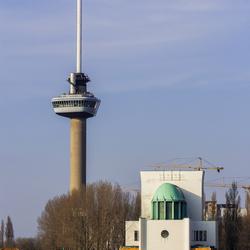 Euromast en ingang Fietstunnel Rotterdam