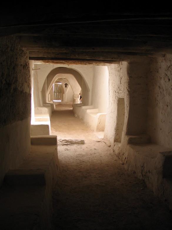 Ghadames - Deze foto is genomen in Ghadames, in Libië. Dit bouwwerk is ongeveer 3000 jaar voor Christus gemaakt en heeft tot enkele decennia geleden g