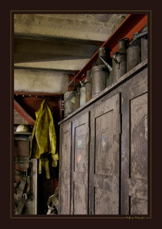 Coal Industries - Nog een exemplaar van Zollverein XII te Essen, een oude kolenindustrie die sinds 1986 niet meer in gebruik is. Toch leek het alsof d