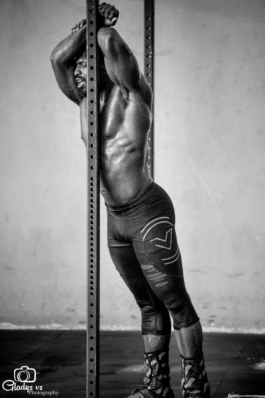 There is fit, and then there is crossfit - Gemaakt tijdens een training sessie van Hayrich Juliana