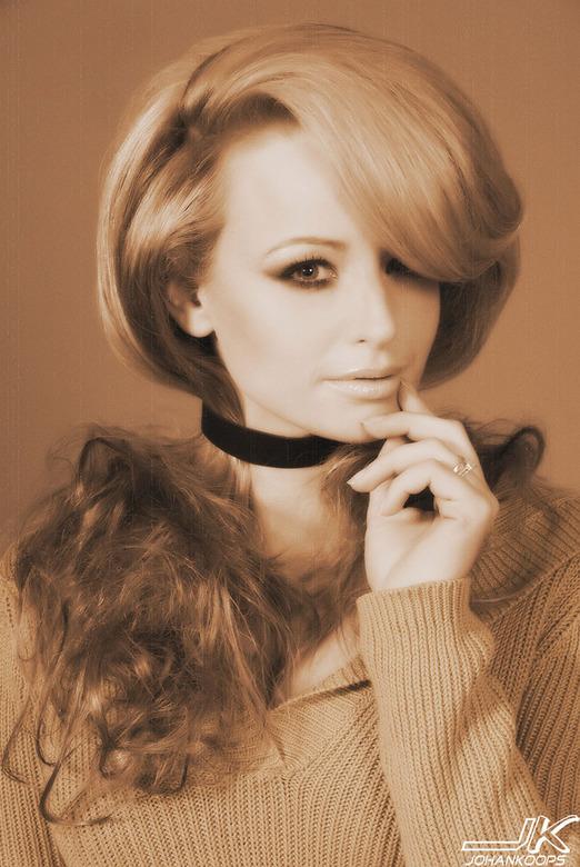 Martine, oude stijl - Inzending coiffure award 2011 van Geralda's hair fashion ism Professional Models. Model Martine, visagie Nastassia, styling
